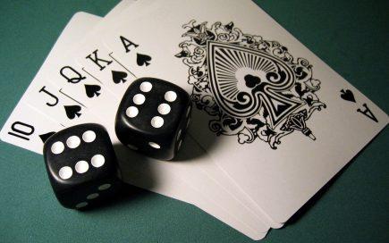 Hãy cởi mở, học hỏi khi chơi bài poker