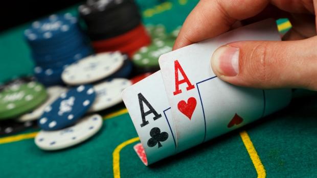 Game Poker có những phong cách chơi điển hình nào?