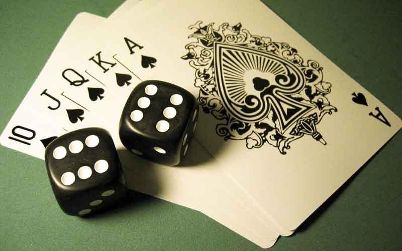 chơi đánh bài poker