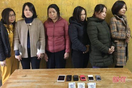 Hà Tĩnh: Bắt giữ đường dây đánh bạc bằng lô đề hơn 2 trăm triệu đồng/ngày