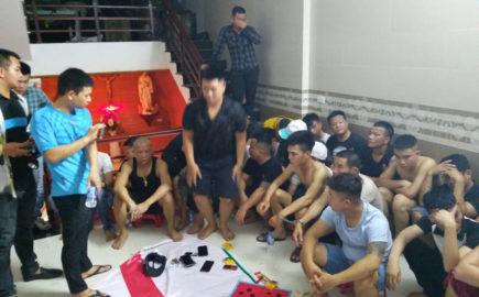 Băt giữ 42 đối tượng tham gia đánh bạc trong căn nhà 2 tầng có thuê người cảnh giới