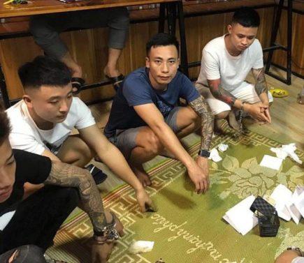 Khởi tố vụ án 7 đối tương chơi đánh bạc trong quán trà sữa tại Bắc Giang