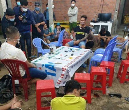Nổ súng phá sòng bạc gần 40 người tham gia tại Long An