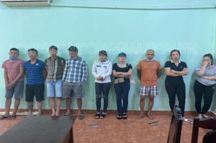 Biên Hòa: Triệt phá tụ điểm đánh bạc tại bãi đất trống, bắt giữ được 23 đối tượng