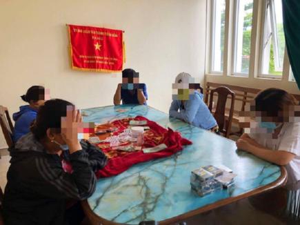 Đà Nẵng: Nhóm quý bà lập sòng bài bất chấp lệnh giãn cách xã hội