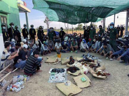 Phá ổ bạc quy mô lớn ở Tiền Giang, 42 người bị bắt