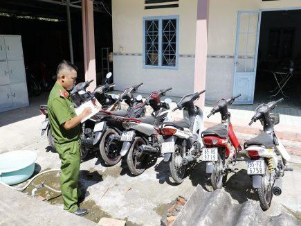 Bắt giữ sòng bạc ăn tiền tại Phú Yên
